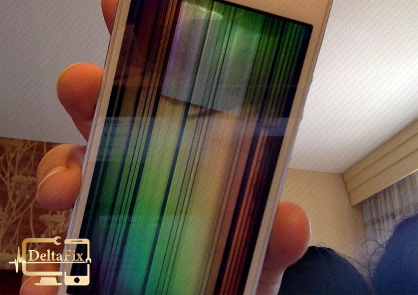 علت خطوط رنگی روی صفحه گوشی